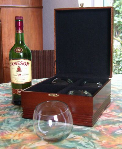 Whiskey Glas Set mit Meranti Box